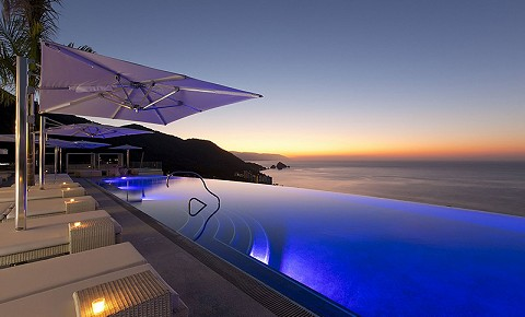 Trivago Rooftop Pool at Hotel Mousai